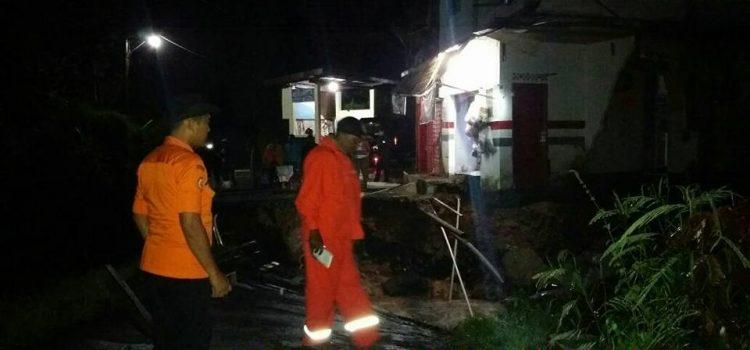 Kegiatan Assesment Tim TRC BPBD Kabupaten Bogor dilokasi kejadian Tanah Longsor