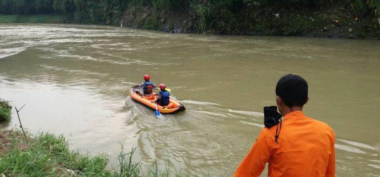 Evakuasi Gabungan Pencarian Korban Hanyut di Kecamatan Rumpin