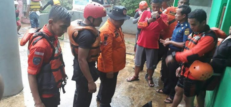 Pencarian korban hanyut di Sungai Cianten-Cisadane