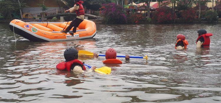 Pelatihan Water Rescue BPBD Kabupaten Bogor