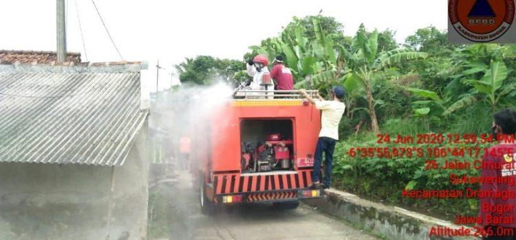 Penyemprotan Disinfektaktan dan Antiseptik di Kecamatan Dramaga