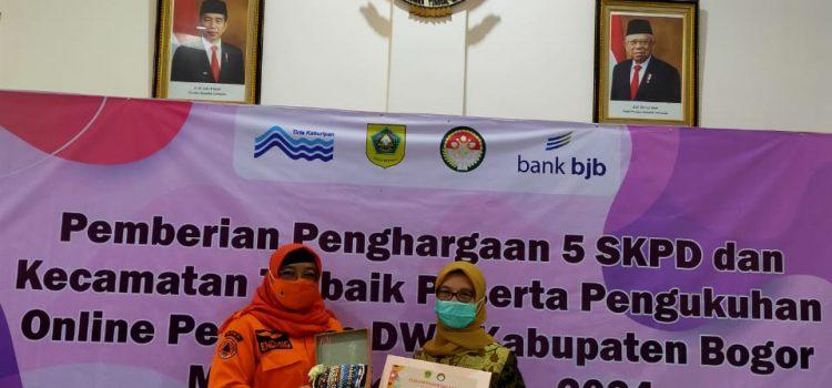 Darma Wanita Persatuan BPBD Menerima Penghargaan