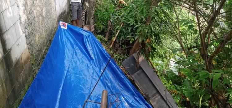 Longsor terjadi di  Kelurahan Pabuaran Mekar, Kecamatan Cibinong, Kabupaten Bogor.